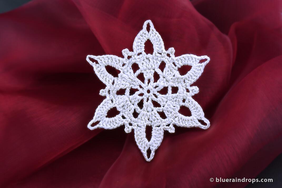 Crochet Snowflake Evia